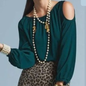 Cabi • cold shoulder fetching top blouse
